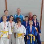Die Wettkampfgruppe mit Trainer und Obmann