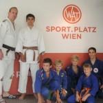 Unser Trainer Stefan mit den Judokindern