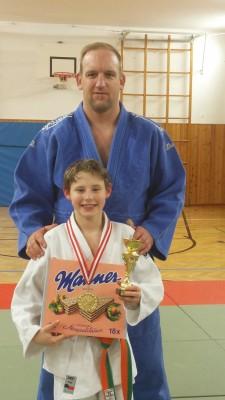 Dragan mit seinen stolzen Trainer Stefan